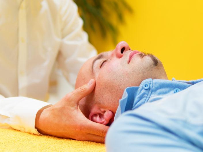 Heilpraxis für Craniosacraltherapie Roland John   Kopfmassage